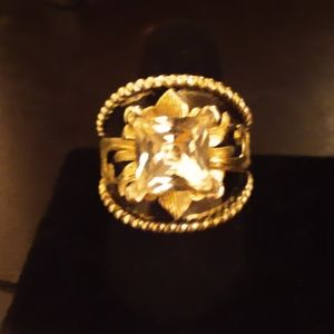 Gorgeous Gold Carved Ring